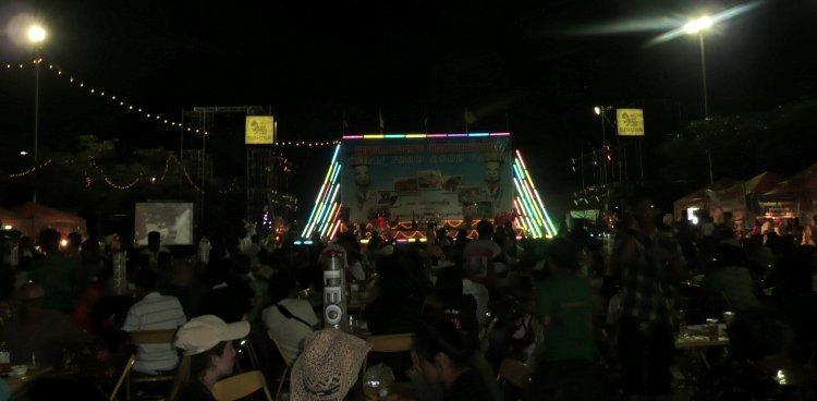 b-dan-sai-phi-ta-khon-2009.