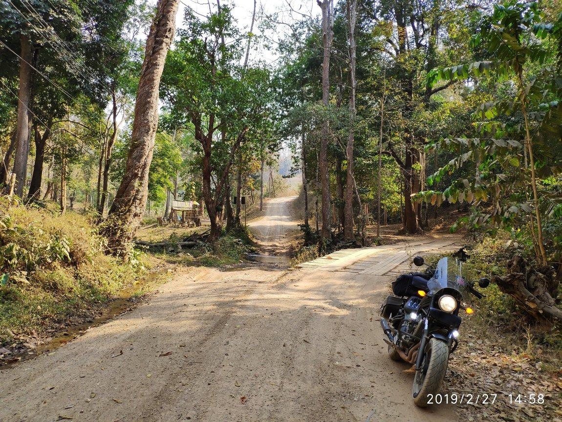 b-dirt-road-pai-to-wiang-haeng.