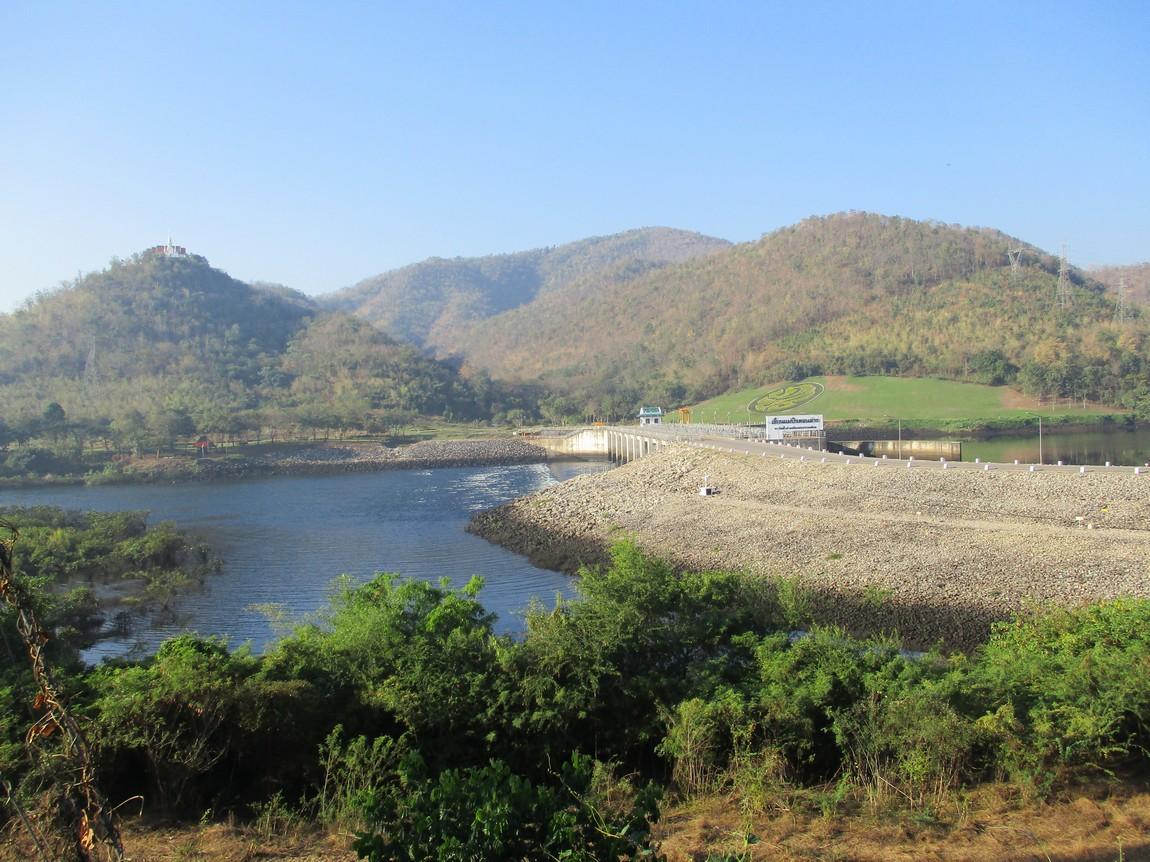 Bhumipol-Dam-area (1).JPG