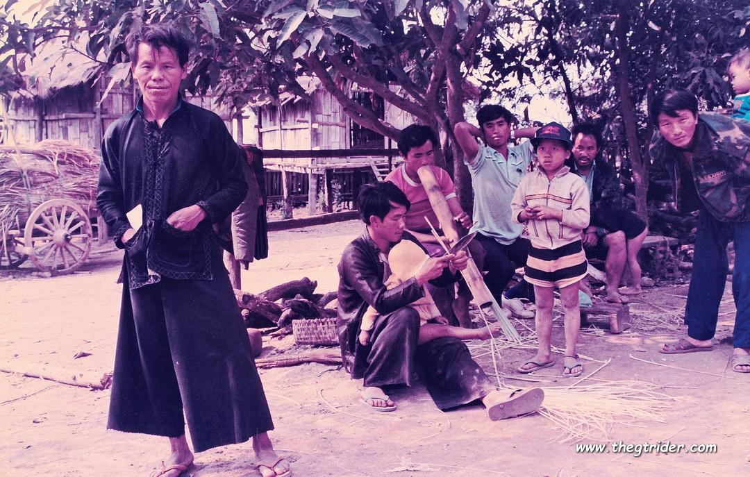 Black-Hmong-HuayLuk-Late1980s-3.JPG