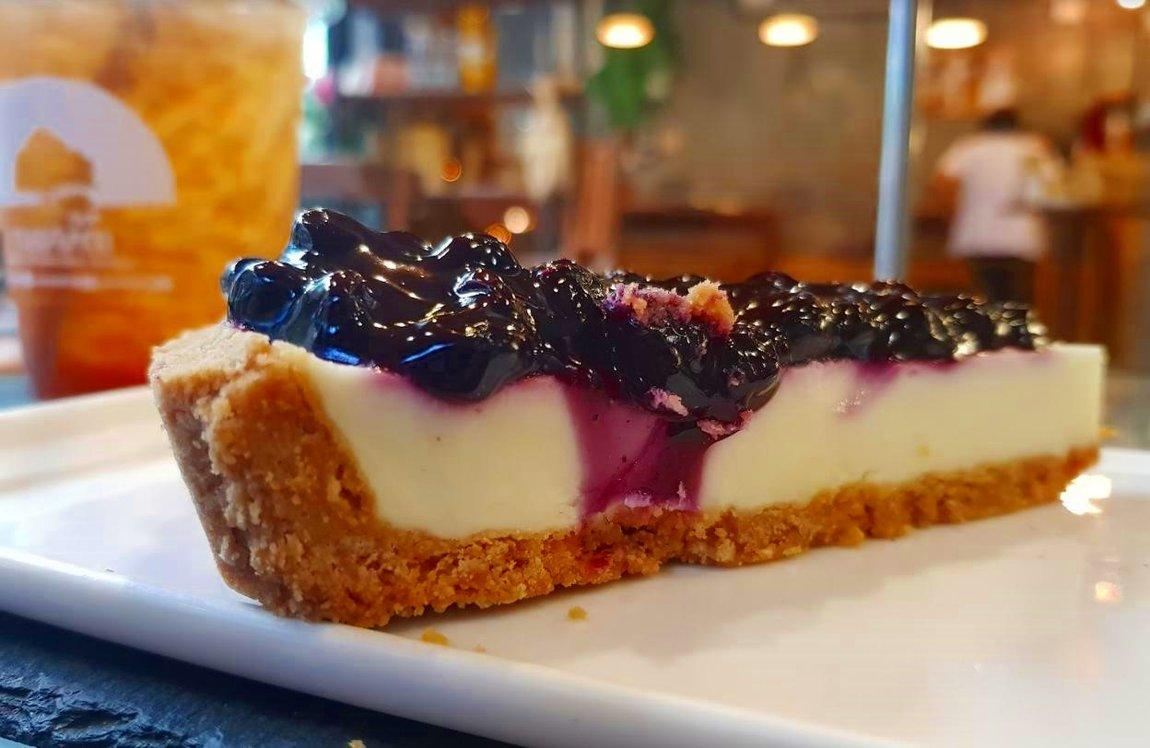 blueberry-cheesecake-tieng-na-coffee-bakery-tak.