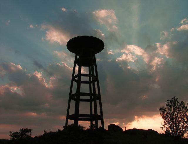 bokor-wasserturm-sunset.