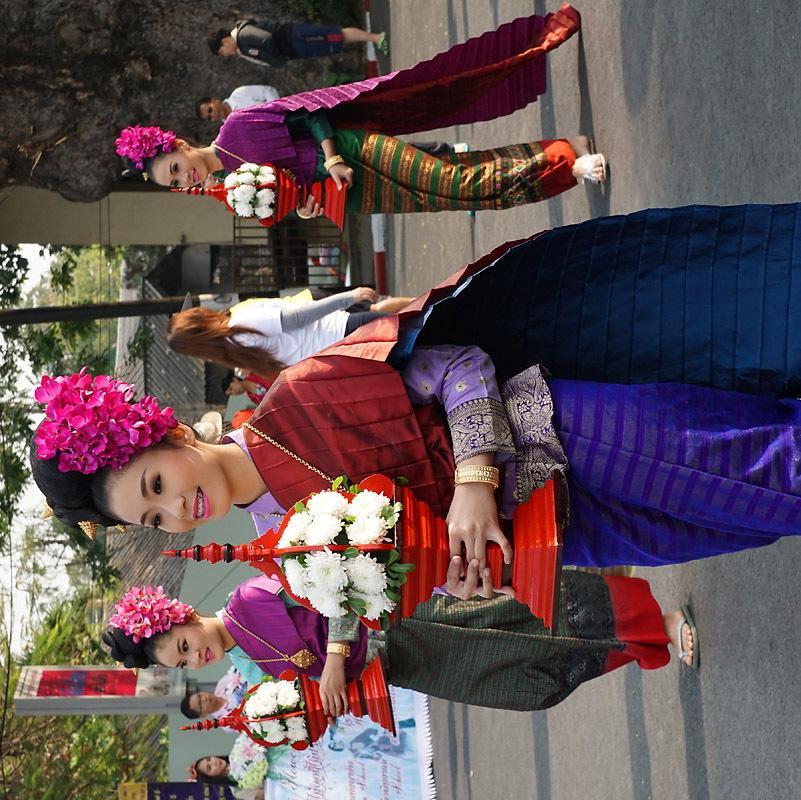 chiang-mai-flower-festival-40-small.