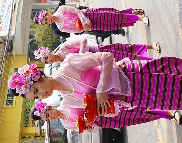 chiang-mai-flower-festival-45-small.