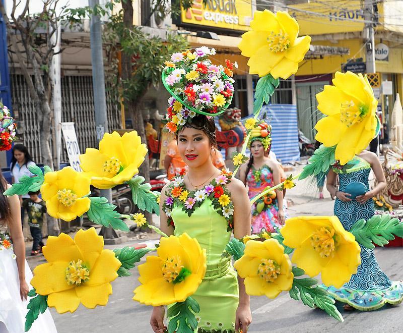 chiang-mai-flower-festival-46-small.
