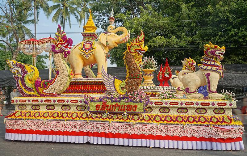 chiang-mai-flower-festival-49-small.