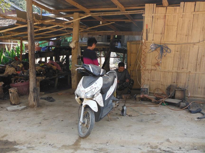 Chiang Rai Motorcycle Doi Chang (4).JPG