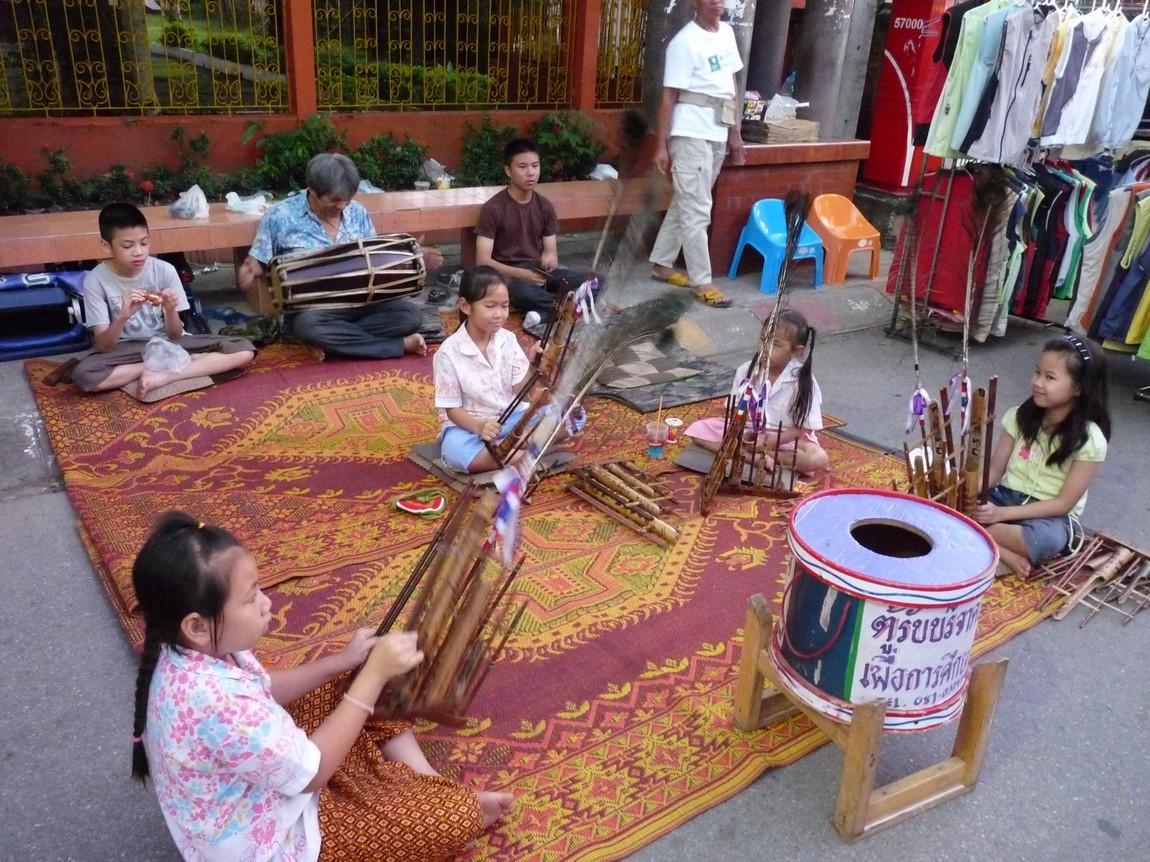 chiang-rai-walking-street-market-13.