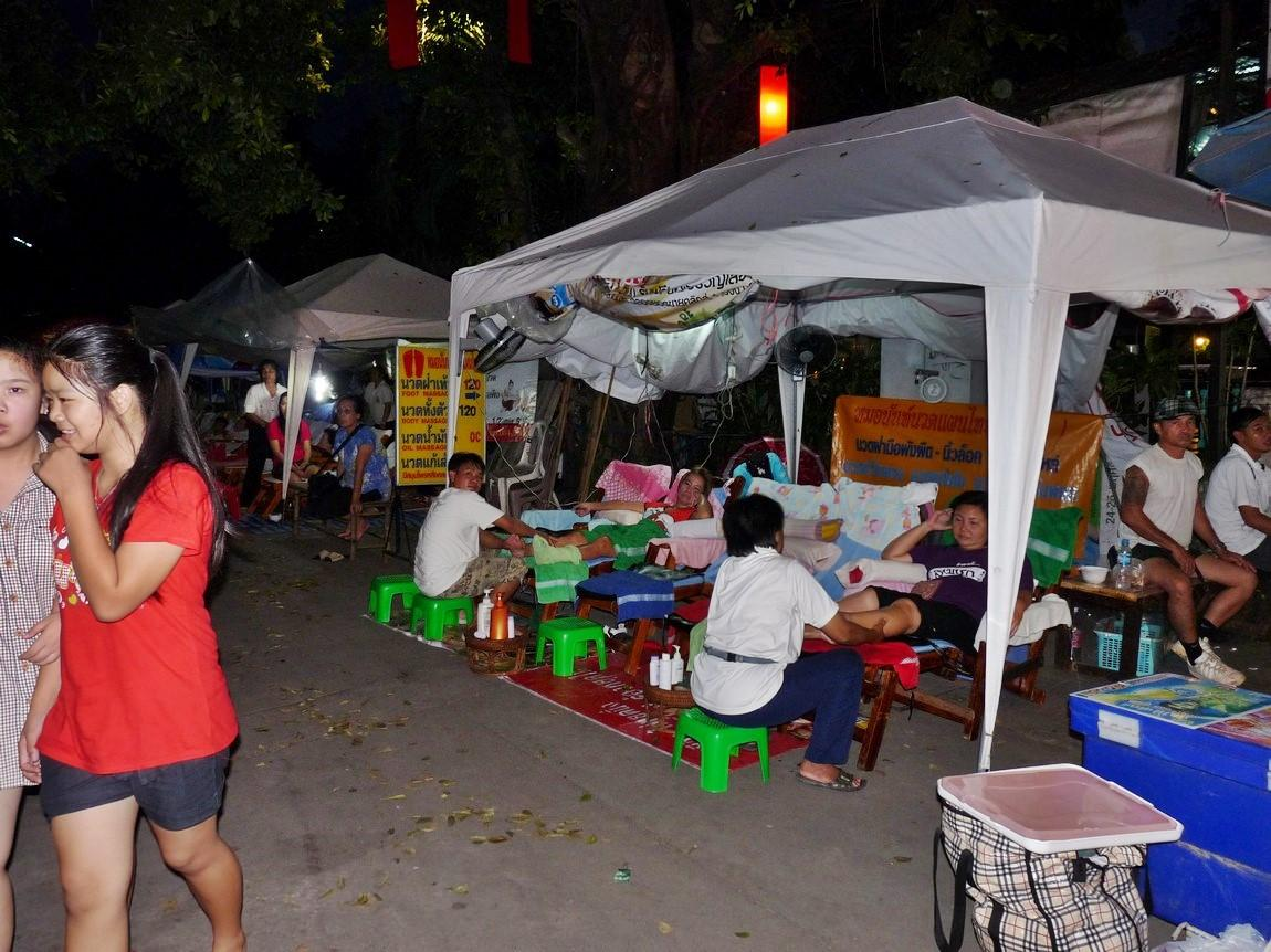 chiang-rai-walking-street-market-18.