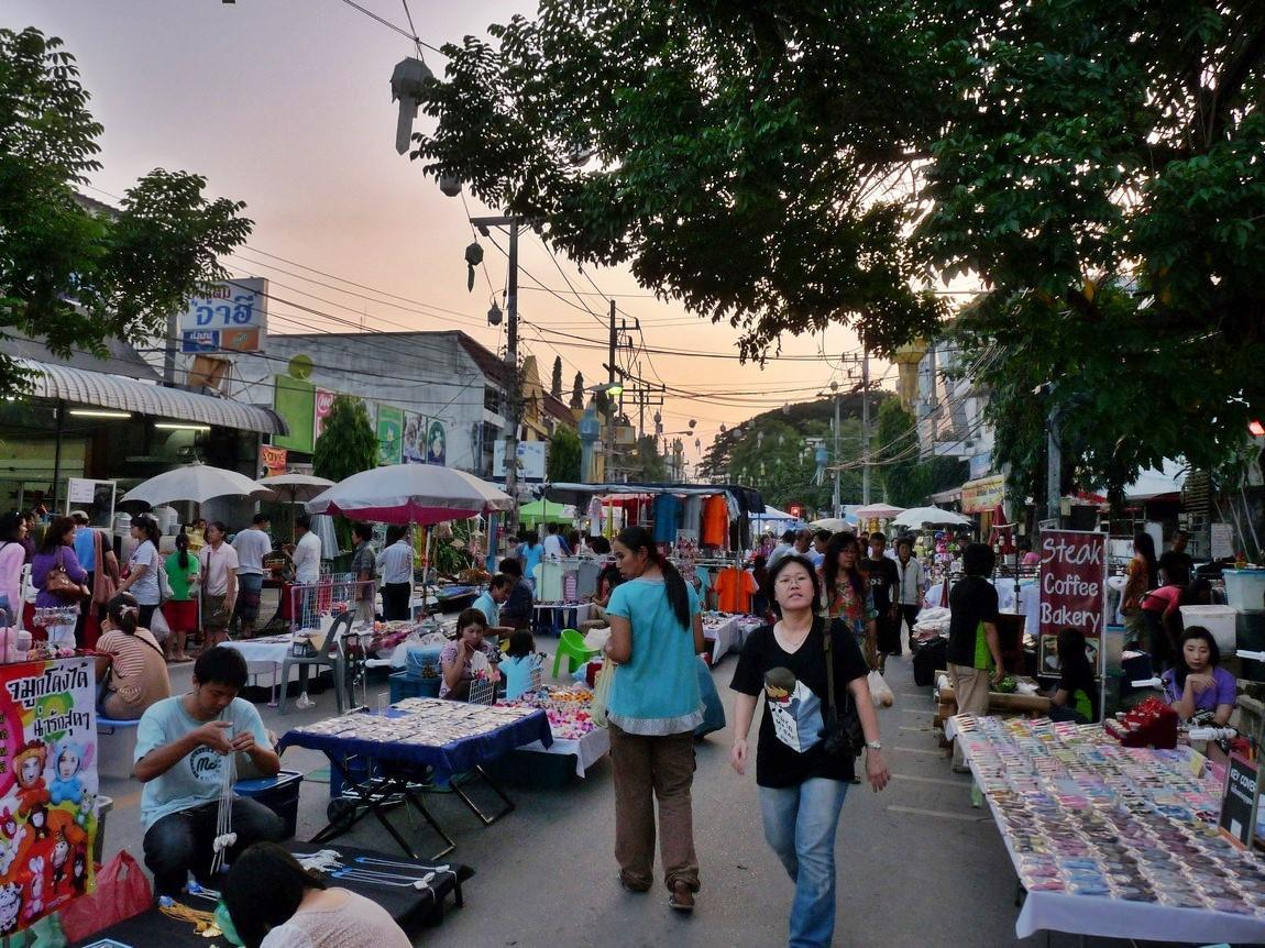 chiang-rai-walking-street-market-5.