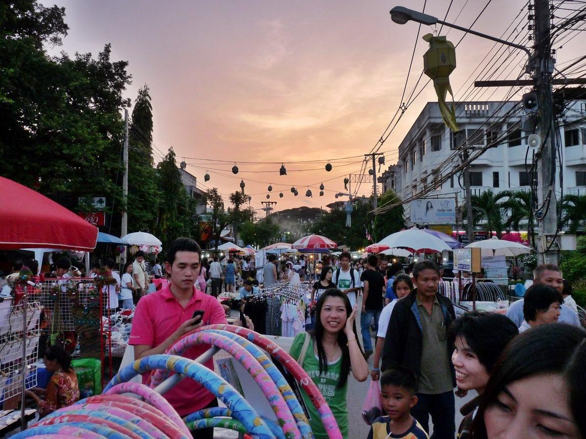 chiang-rai-walking-street-market-8.