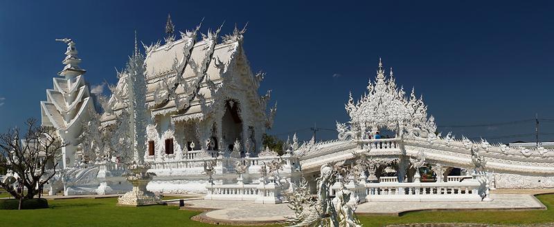chiang-rai-wat-rong-khun-white-temple-1-small.