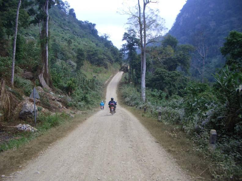 CIMG0974.jpg /Holidays in Laos + Lima 85/Laos Road  Trip Reports/  - Image by: