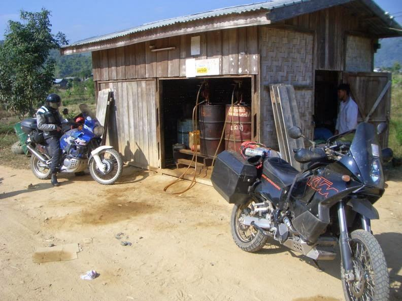 CIMG0978.jpg /Holidays in Laos + Lima 85/Laos Road  Trip Reports/  - Image by: