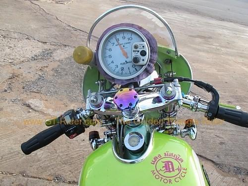 dan-sai-motorbikes-phi-ta-khon-festival-2010-018.