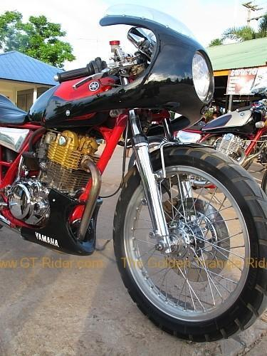 dan-sai-motorbikes-phi-ta-khon-festival-2010-020.