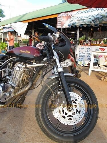 dan-sai-motorbikes-phi-ta-khon-festival-2010-023.