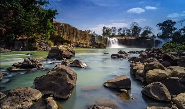 Dhac-dray-sap.jpg in Vietnam - The 10 Best Waterfalls from  DavidFL at GT-Rider Motorcycle Forums