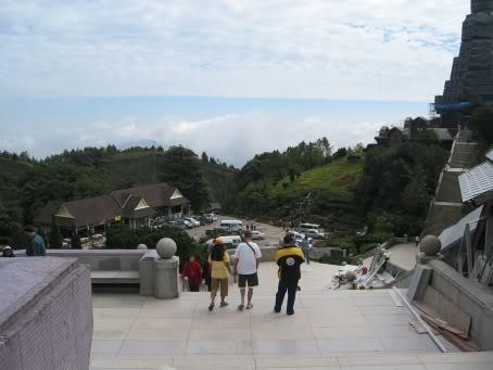 DoiInthanon004.jpg /Daewoo's 07 Trip - Ride Report 7 - Doi Inthanon  Mae Ya/Touring Northern Thailand - Trip Reports Forum/  - Image by: