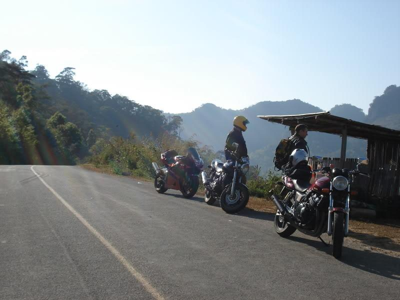 DSC01062.jpg /mounted by a soldier!!/Touring Northern Thailand - Trip Reports Forum/  - Image by: