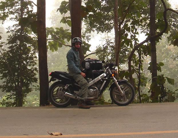 DSC01351a.jpg /Carrying Luggage on hire bike ER6N/D-Tracker/Touring Northern Thailand - Trip Reports Forum/  - Image by: