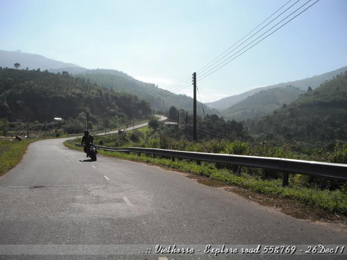 DSCF2110.jpg /::: Vietnam - ACE MTSG - Day trip to explore new roads/Vietnam - Motorcycle Trip Report Forums/  - Image by: