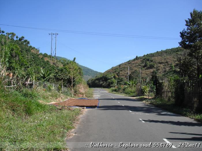 DSCF2142.jpg /::: Vietnam - ACE MTSG - Day trip to explore new roads/Vietnam - Motorcycle Trip Report Forums/  - Image by:
