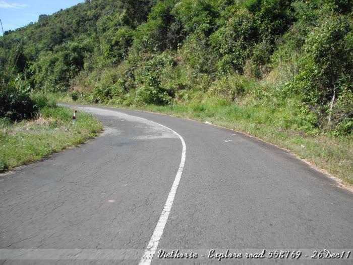 DSCF2147.jpg /::: Vietnam - ACE MTSG - Day trip to explore new roads/Vietnam - Motorcycle Trip Report Forums/  - Image by: