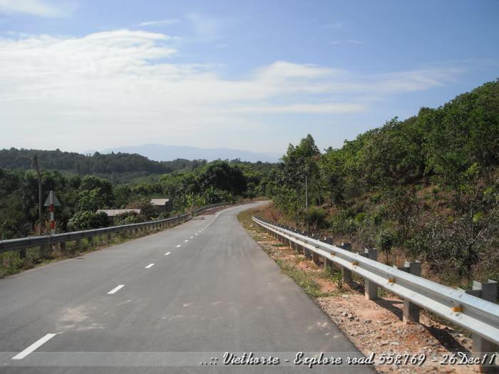 DSCF2282.jpg /::: Vietnam - ACE MTSG - Day trip to explore new roads/Vietnam - Motorcycle Trip Report Forums/  - Image by: