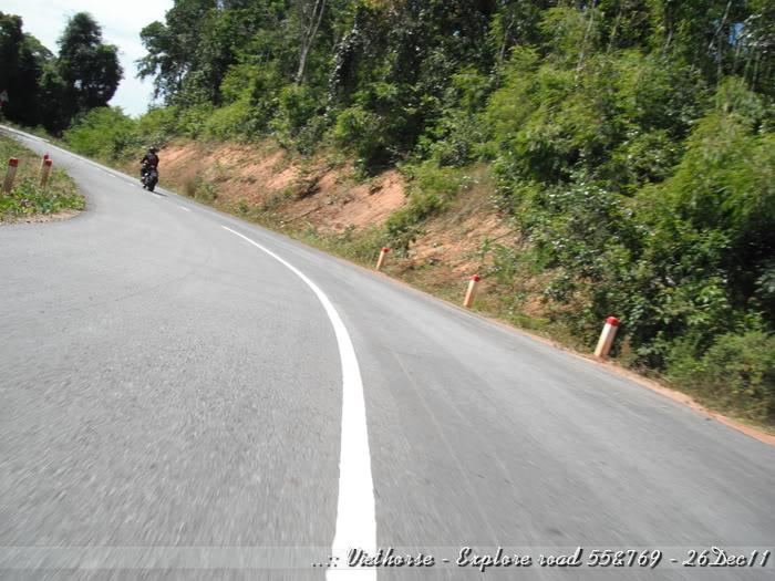 DSCF2300.jpg /::: Vietnam - ACE MTSG - Day trip to explore new roads/Vietnam - Motorcycle Trip Report Forums/  - Image by: