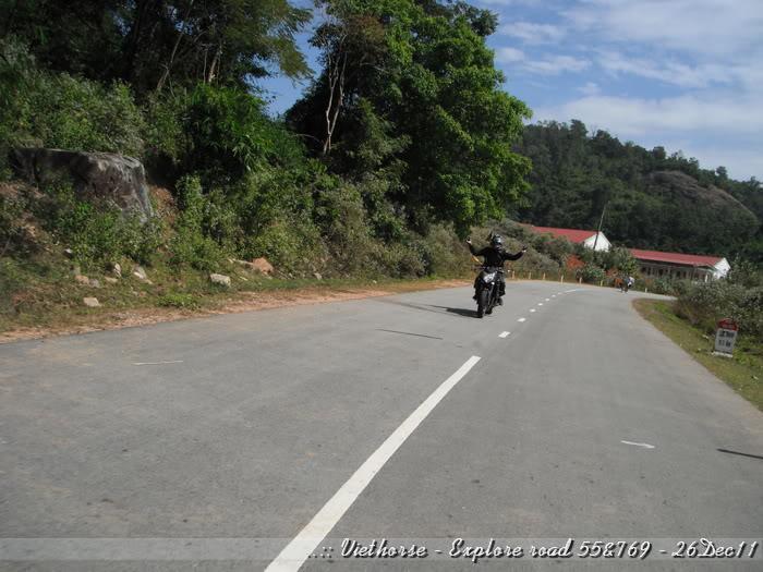 DSCF2329.jpg /::: Vietnam - ACE MTSG - Day trip to explore new roads/Vietnam - Motorcycle Trip Report Forums/  - Image by: