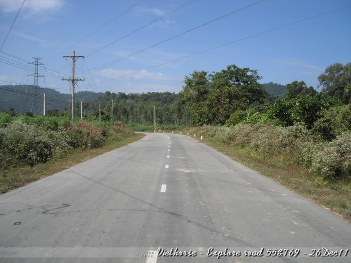 DSCF2350.jpg /::: Vietnam - ACE MTSG - Day trip to explore new roads/Vietnam - Motorcycle Trip Report Forums/  - Image by: