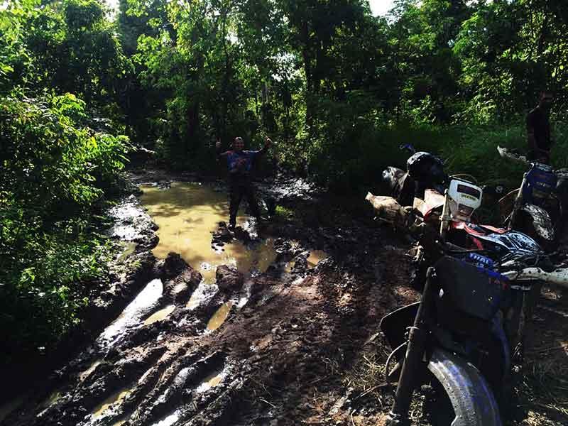enduro-cambodia-welcome-to-the-jungle.