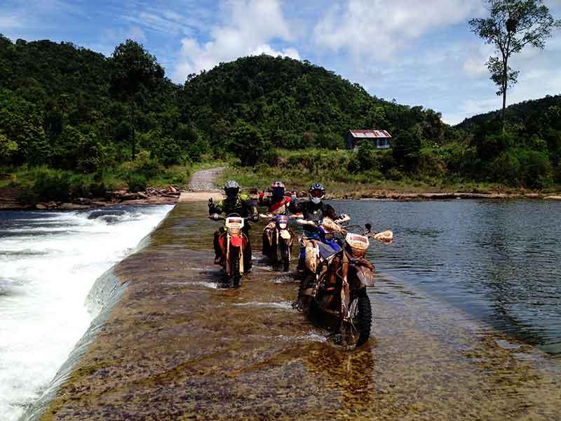 enduro-tours-cambodia-fjord.