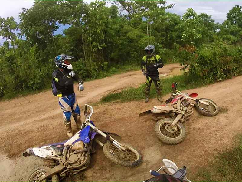 enduro-tours-cambodia-river-stack.