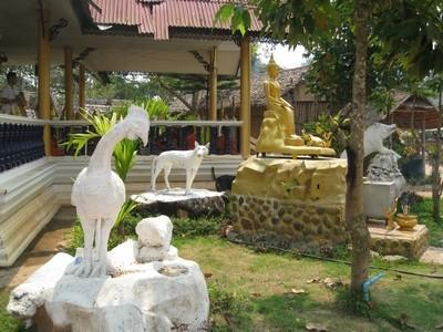 goldenhorse022.jpg /The Legend of the Golden Horse Temple/Touring Northern Thailand - Trip Reports Forum/  - Image by: