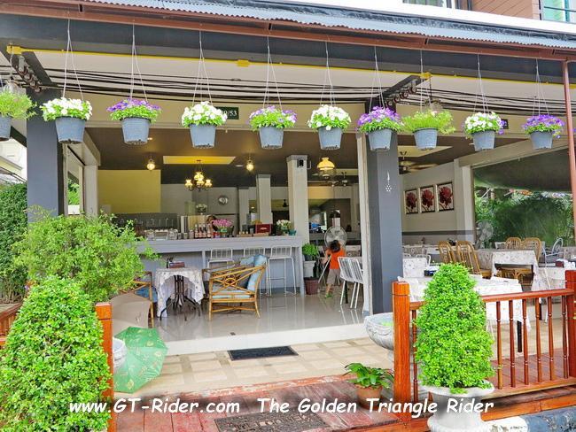 GTR-IMG_2196.jpg /Mae Rim Resturants/Restaurants - North Thailand/  - Image by: