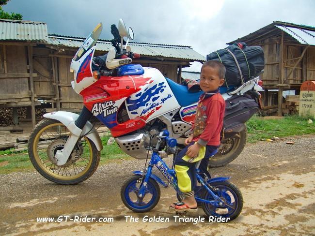 GTR-R13N-PakMong-OudomXai-CRW_3532CRW_3530.jpg
