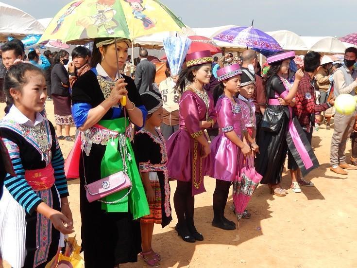 HmongNewYearLaos16.
