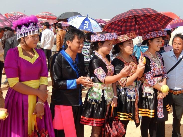 HmongNewYearLaos18.