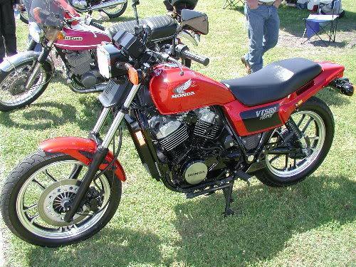 HondaVT500Ascot01.
