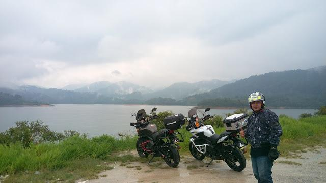IMAG0957.jpg /Day Ride To Cameron Highland Through Fraser Hill And Sungai Koyan/Malaysia - Motorcycle Road Trip Reports Forum/  - Image by: