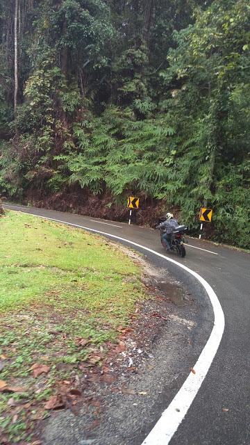 IMAG0970.jpg /Day Ride To Cameron Highland Through Fraser Hill And Sungai Koyan/Malaysia - Motorcycle Road Trip Reports Forum/  - Image by:
