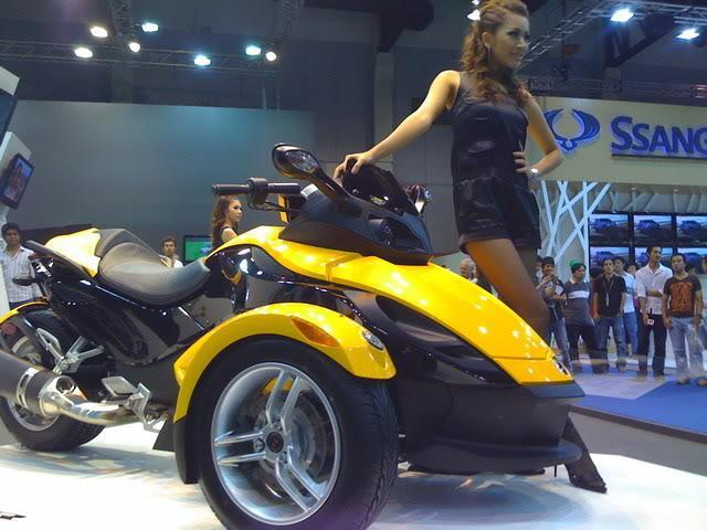 IMG_0193.jpg /2009 Bangkok Motor Show, any feedback ?/General Discussion / News / Information/  - Image by: