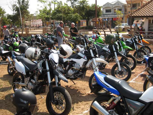 IMG_0503.jpg /Tour Mainly fucused Udon Thani bike week/N.E. Thailand Motorcycle Trip Report Forums/  - Image by: