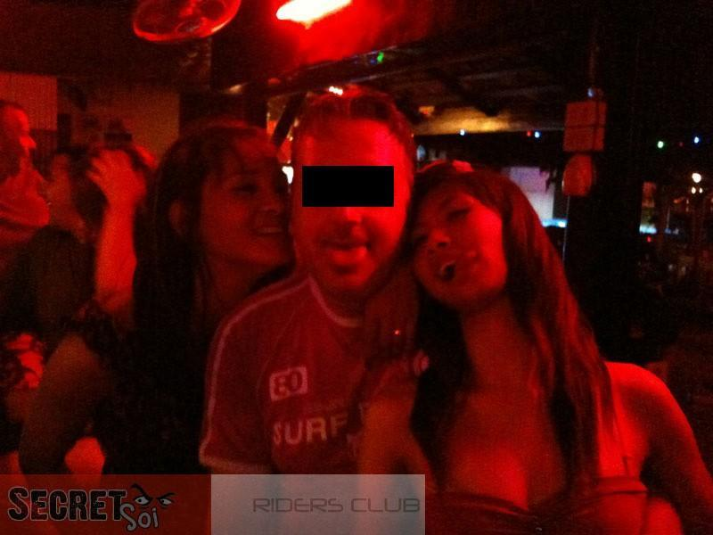 IMG_0831CRSSR.jpg /SSR Hooligans invade the Golden Triangle!/Festivals &  Events - S.E. Asia/  - Image by: