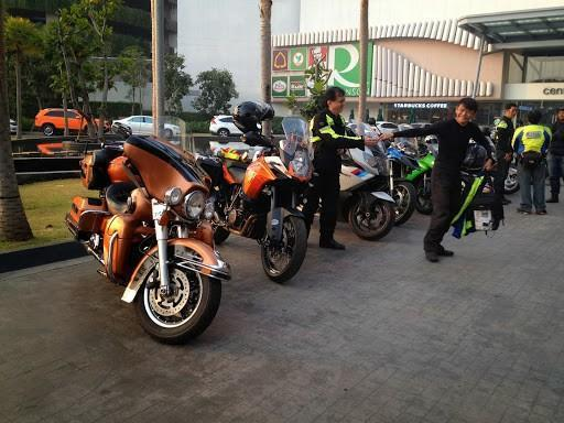 IMG_5843.jpg /Ride to sea of red lotusses - Kumphawapi district Part 3 Udon Thani Intl Air  Bike/N.E. Thailand Motorcycle Trip Report Forums/  - Image by: