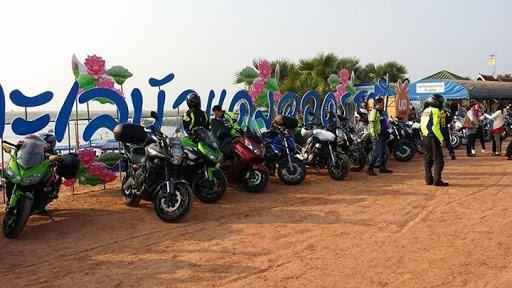 IMG_5879.jpg /Ride to sea of red lotusses - Kumphawapi district Part 3 Udon Thani Intl Air  Bike/N.E. Thailand Motorcycle Trip Report Forums/  - Image by:
