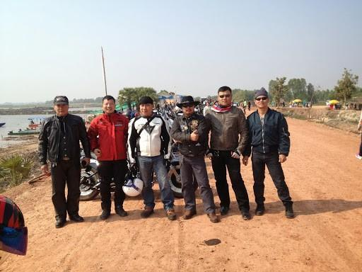 IMG_5882.jpg /Ride to sea of red lotusses - Kumphawapi district Part 3 Udon Thani Intl Air  Bike/N.E. Thailand Motorcycle Trip Report Forums/  - Image by: