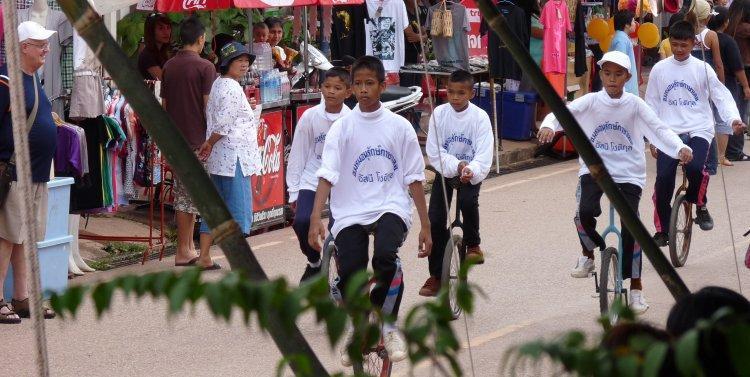 j-dan-sai-phi-ta-khon-2009.